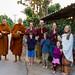 De gaude à droite: Phra Ang, Phra Art, Kory, Jai, François, Maël, Marie-Soleil, Kaliane, Maya et Michelle