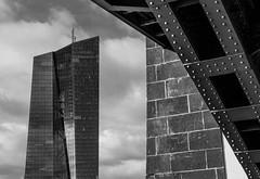 Osthafen_150131_0020.jpg (vomdach) Tags: bw building architecture germany deutschland blackwhite frankfurt architektur gebäude ezb osthafen europeancentralbank schwarzweis
