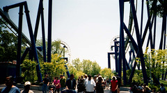 Top Gun - Batwing (thewestate) Tags: road gun top taxi bm jam thunder crabby carowinds lucys cabby afterburn