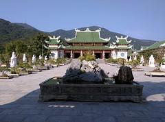 Day 3: Chùa Linh Ứng temple