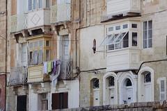 Valletta (Shahrazad_84) Tags: windows house building mediterranean mediterraneo doors balcony malta laundry valletta lavalletta