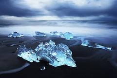 Cristal Bleu (PLF Photographie) Tags: islande iceland iceberg ice beach black sand long exposure exposition longue glace blue crystal cristal bleu cold landscape seascape