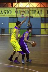 TUCAPEL VS WOLF__27 (loespejo.municipalidad) Tags: chile santiago miguel azul noche amarillo bruna silva deportes jovenes balon rm adultos alcalde competencia basquetbol loespejo