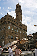 Ok, I admit it: I'm not a real fan of this work (hate turtle)! :P (LaDani74) Tags: statue bronze work florence turtle firenze fabre piazzasignoria