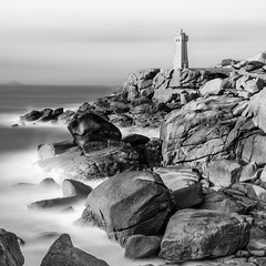 Lighthouse Mono Exposed (frank_w_aus_l) Tags: longexposure bw lighthouse seascape france nature monochrome coast nikon frankreich bretagne splash fr perrosguirec ploumanach schwarzweis d810