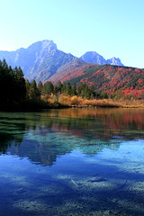 IMG_9719be (Katinka Irrlicht) Tags: upperaustria obersterreich lake see mountain berg bergsee water wasser autum fall herbst