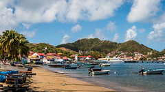 Les Saintes - [Guadeloupe] (old.jhack) Tags: france port bateaux caribbean plage guadeloupe antilles bourg lessaintes carabes sigma1750mmf28