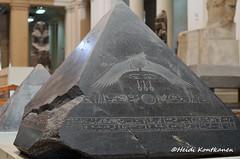 Pyramidion of Amenemhat III (konde) Tags: art pyramid capstone hieroglyphs basalt ancientegypt hawara pyramidion middlekingdom 12thdynasty amenemhatiii
