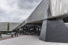 Citytripping Rotterdam  #centralstation #stairs #blaak #cubics (petravanaken) Tags: centralstation stairs blaak cubics