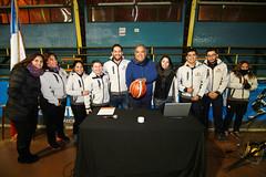 TUCAPEL VS WOLF__01 (loespejo.municipalidad) Tags: chile santiago miguel azul noche amarillo bruna silva deportes jovenes balon rm adultos alcalde competencia basquetbol loespejo