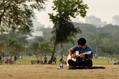 Solo guitar and wine (MFMarcelo) Tags: park people music man green brasil canon afternoon wine guitar sopaulo solo 5d