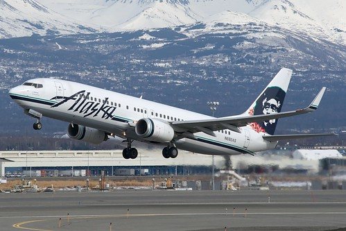 Alaska Airlines Boeing 737-800 N592AS