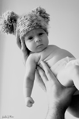 Uxa en modo osito (Laila G.P) Tags: baby gorro nia newborn bebe