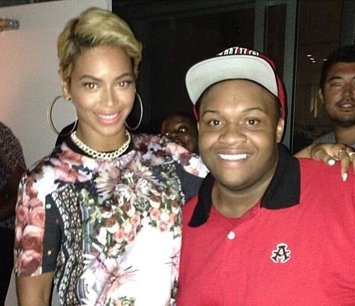 Beyonce shows off her new sexy haircut