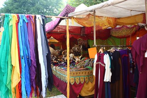 Bunter Marktstand / colorful market stand / Un étal de marché coloré