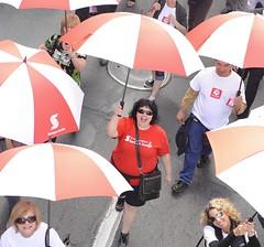 moca-2940 (Centraide du Grand Montréal) Tags: canada quebec montreal aux 1000 marche parapluie evenement parapluies centraide