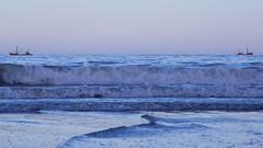 (YARCHO) Tags: sea boat mar waves barcos olas ola mardelplata
