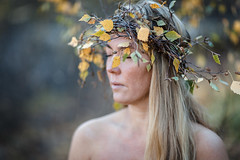 fall (Kaire K) Tags: fall girl norway canon birth 85mm autumncolors blond vg mkw