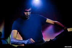Jon Hopkins (Michele Battilomo) Tags: music set club jon dj pentax live room clubbing korg indie paths tamron boiler bari hopkins kx eremo molfetta 2875