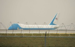 Air Force One taken hostage by Washington...poor bird. (MarksView) Tags: boeing usaf b747 airforce1 ohareiap airforceoneatohare