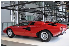 Lamborghini Countach LP400 (1975) (Transaxle (alias Toprope)) Tags: sports car museum spectacular design engine machine super racing legendary sharp most lp radical marcello lamborghini 1973 wolfsburg futuristic autostadt weber styling countach gandini edges lambo proportions bertone topspeed 300club dohc midengined midship midengine rmr scissordoors club300 midshiprunabout marcellogandini twelvecylinder 45dcoe longitudinaleposteriore overheadcamshafts centralengine 315kmh