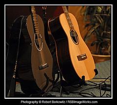 Pat Wictor (RSB Image Works) Tags: guitar musicalinstrument blackbird paulbeard goldtone gardencityny patwictor rsbimageworks robertberkowitz gardenstagecoffeehouse
