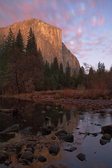 El Capitan with Red, White and Blue (Mike Matenkosky) Tags: twilight dusk elcapitan valleyview gatesofthevalley