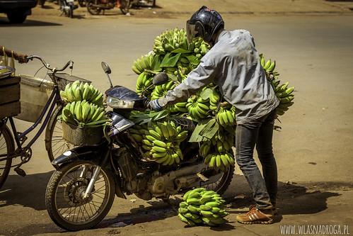 Dostawa bananów