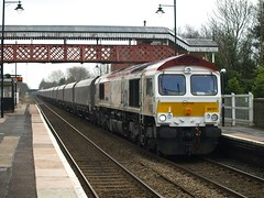 """GBRF Class 66 66721 """"Harry Beck"""" works hard through Codsall (Oz_97) Tags: liverpool ironbridge biomass class66 harrybeck codsall gbrf 66721 codsallstation"""