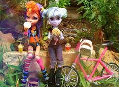 (Linayum) Tags: monster toys doll dolls mh mattel bestfriends bff juguete muecas twyla mueca howleen linayum monsterhigh howleenwolf