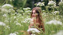 132/366: spring May flowers (Andrea  Alonso) Tags: flowers portrait woman naturaleza selfportrait flores green primavera me nature spring mujer spain retrato galicia 365 autorretrato vigo 366