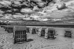 Strandkrbe (mirko.borgmann) Tags: beach strand meer weiss schwarz strandkorb