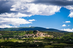 Bonnieux vu depuis le village de  Lacoste (bonacherajf) Tags: village bonnieux lubron