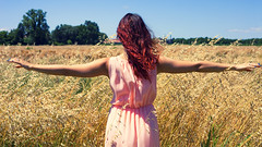 Karin & the wind (spud79mb) Tags: pink red summer woman nature girl hair gold dress wind outdoor bluesky ritratto ragazza backshoot