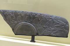 Framento della Palette de la chasse, Abydos (vincenzovacca) Tags: parigi abydos museodellouvre framentodellapalettedelachasse