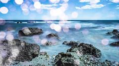 Mares de luces ([Nelooo]) Tags: mar bokeh playa cielo nubes olas benicassim rocas piedras oceano castelln largaexposicion sedoso renega