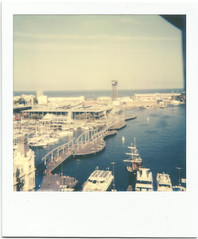 Foto hecha con Polaroid Supercolor 635CL (JoaquimC.) Tags: barcelona joaquim polaroid retro colon maremagnum 635cl