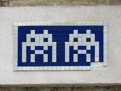 Space Invader RA_12 (tofz4u) Tags: blue two streetart silver tile twins italia mosaic spaceinvader spaceinvaders mosaico double bleu deux invader zwei italie argent ravenna jumeaux mosaque artderue ravenne argent ra12