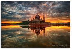 --Imbroglio-- (Lim Su Seng) Tags: cloud sun reflection architecture clouds sunrise canon cityscape malaysia putrajaya ef1635mmf28l putramosque ef1635 putrajayalake putraperdana canonef1635 ssphotography limsuseng amazedbylite