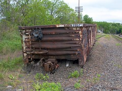 on the ground in Hudson, PA (Hank Rogers) Tags: pictures railroad car train spur photo track photos crash accident pennsylvania picture rr pa gondola canadianpacific hudson runaway plains cp soo derailed wilkesbarre derail derailment 63907 sunburyline sunburysub sunburysubdivision plainstownship soo63907 plainstwp