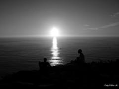 Anochece en el Monte Facho (Caty V. mazarias antoranz) Tags: espaa spain galicia cielos atardeceres pontevedra evenings anocheceres islasces porlanoche porlatarde ofacho