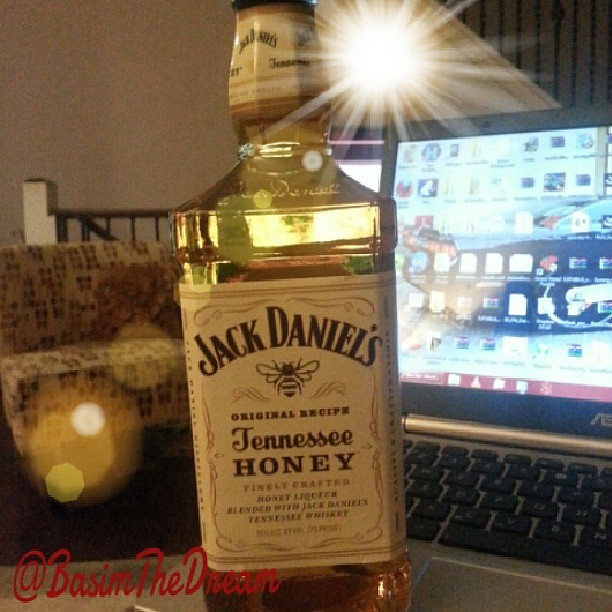 #JackDaniels #realmendrinkgoodwhiskey #TennesseeHoney #24HRLeMans My condolences to the family of  ALLAN SIMONSEN