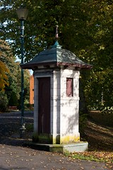 Pittencrieff Park Telephone Kiosk (itmpa) Tags: park 1920s slr canon scotland fife telephone kiosk 1928 telephonebox carnegie listed dunfermline pittencrieffpark 30d pittencrieff telephonekiosk canon30d categoryb johnfraser tomparnell itmpa archhist