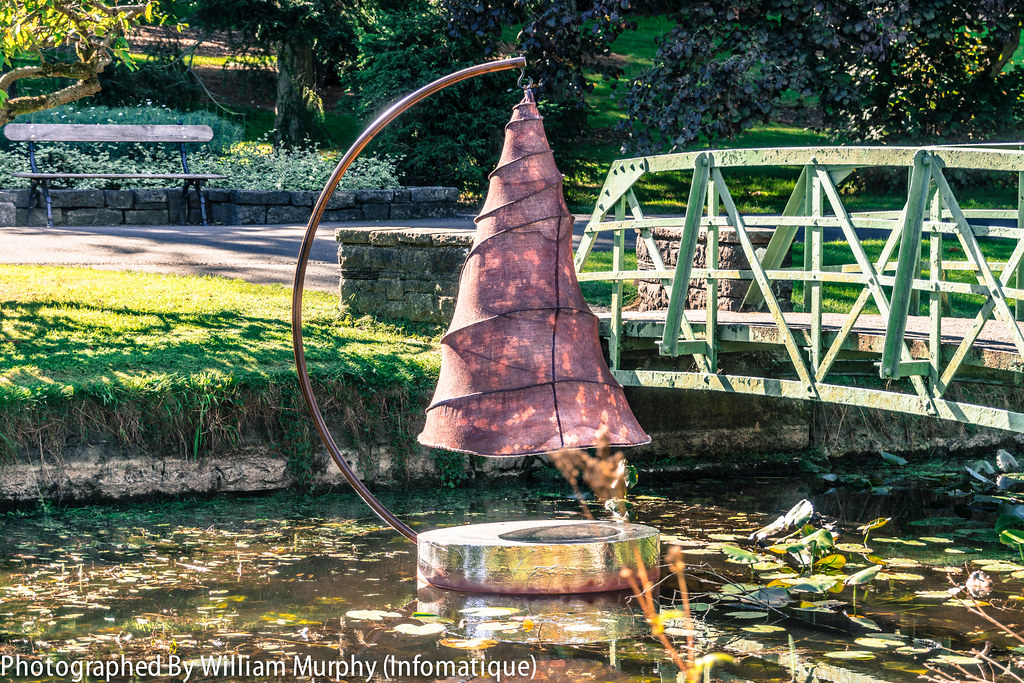 Sculpture In Context 2013 In The Botanic Gardens - Spiral Pond By Anne McGill