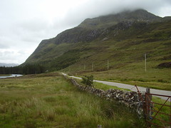 Highlands, Escocia (Nuria_PC) Tags: road sky cloud clouds scotland highlands carretera cielo nubes nube transporte naturallandscape infraestructura physicalgeography paisajenatural viario infraestructure geografafsica