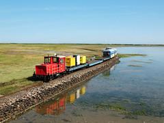09-08-04 Wangerooge Anleger Ausf 399 108 - 0 - 02 (tramfan239) Tags: db wangerooge 399 diesellok 1000mm inselbahn schöma schmalspurbahn