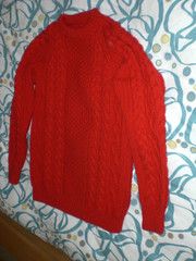 Red aran wool sweater (Mytwist) Tags: red irish wool vintage craft knitted aran crewneck knitwear cabled handgestrickt aranjumper aranstyle thistle2fine