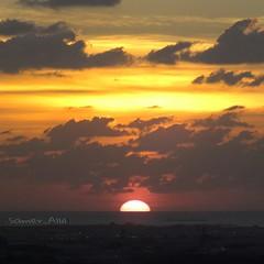 Sam photographer (سامر اللسل) Tags: me rose follow jeddah followme البحرين منصوري عمان تصويري جدة الباحه مصور الطائف فوتوغرافي الجنوب {vision}:{outdoor}=0529 {vision}:{clouds}=087 {vision}:{ocean}=0509 {flickrandroidapp}:{filter}=none {vision}:{sky}=0973 {vision}:{car}=0698 {vision}:{sunset}=0967