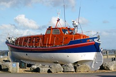 RNLB at Hythe Marina (David Blandford photography) Tags: reed marina arthur hampshire ruby hythe southamptonwater rnlb