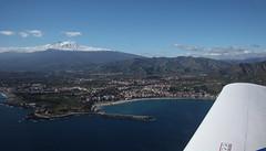 (Hlose Picot) Tags: sea panorama mer volcano flying mare volo sicily taormina etna sicilia messina vulcano volcan etnaland volare sicile